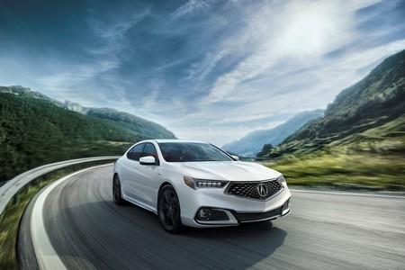 El Acura TLX 2018 y su versión A-Spec quieren jugar duro en el segmento premium