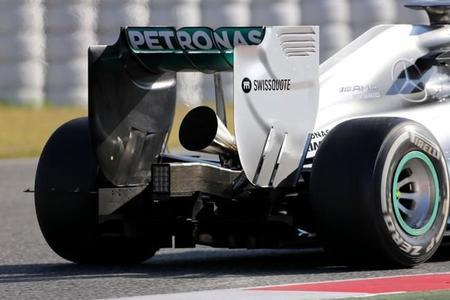 Mercedes altera el sonido de su V6 con una 'trompeta' en el escape