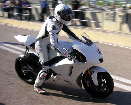 Primera prueba oficial de la Yamaha YZR-M1 para Jorge Lorenzo