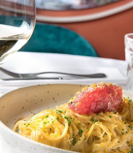 Noi Spaghetti A La Carbonara Tartar De Atun Rojo Y Botarga De Mujol