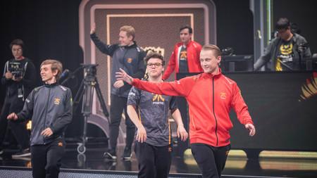¡Fnatic hace el milagro! Rekkles y compañía estarán en cuartos tras un triple empate