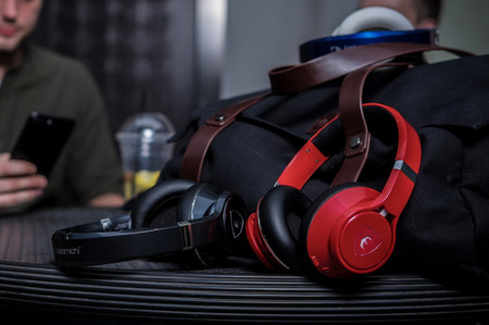 "Nakamichi Edge, unos auriculares con ""inteligencia artificial"" que protegerán tus oídos de volúmenes elevados"