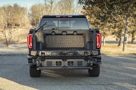 La fibra de carbono no es sólo para deportivos: General Motors apuesta por usarla en las cajas de sus pick-up