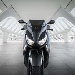 Foto 10 de 15 de la galería yamaha-x-max-400-momodesign-en-accion en Motorpasion Moto