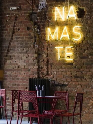 De estilo urbano asiático, así de curioso es el restaurante eatDOORI en Frankfurt