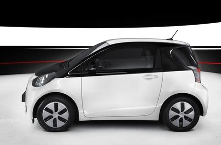 Toyota iQ EV 03