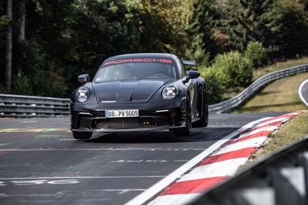 Porsche 911 GT3 2021 1