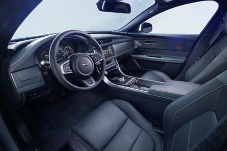 Jaguar Xf 2015 12