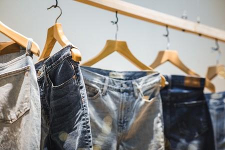 9 pantalones vaqueros rebajados en Amazon hoy: Levi's, Wrangler, Pepe Jeans y Replay desde sólo 18 euros