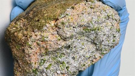 En este meteorito, el más antiguo conocido, se hallan restos del inicio del Sistema Solar