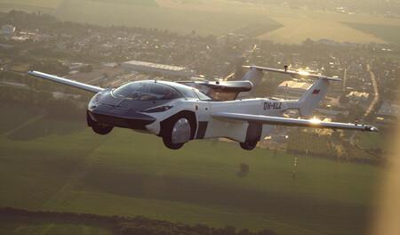 ¡Bienvenidos al futuro! El AirCar se convierte en el primer coche volador en surcar los cielos entre dos ciudades