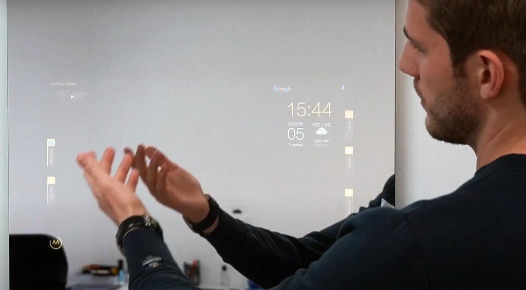 El espejo con Android-OS y Google® Assistant ya está a la venta (y no te saldrá barato)