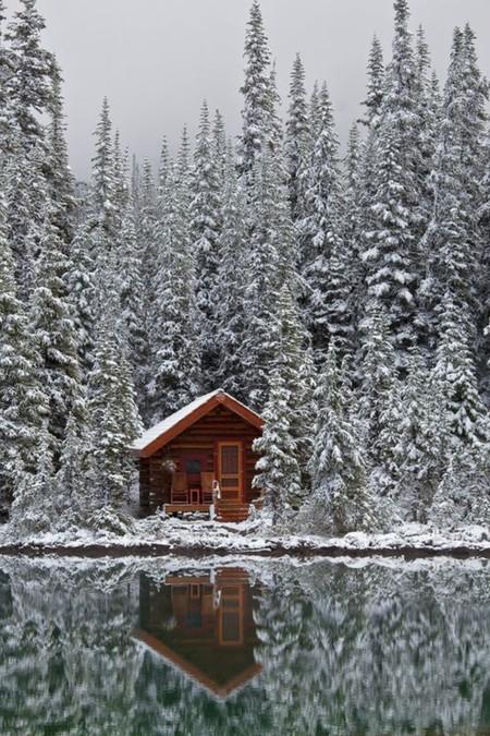 ¿Tienes ganas de nieve? Disfruta en esta cabaña escandinava