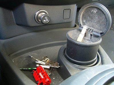 Reino Unido prohibirá fumar conduciendo... si van niños dentro