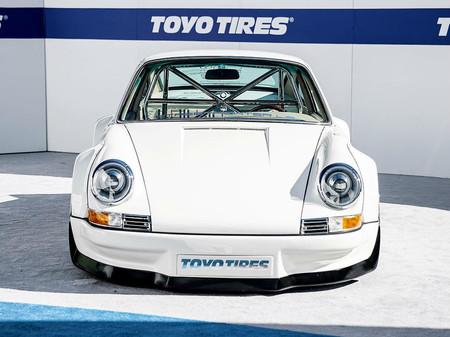 ¿No quieres esperar al Taycan? ¿Qué te parece este 911 de 1977 con motor de Tesla?