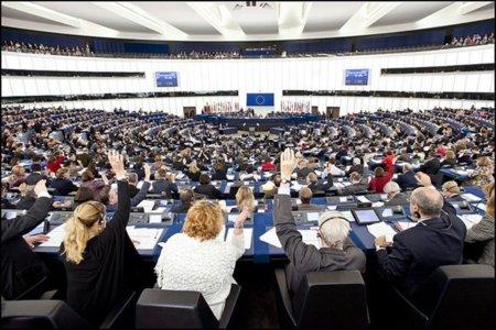 Eurodiputados conservadores copian las enmiendas del lobby (inquieto) por la protección de datos