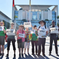 Encuesta por referéndum griego: jóvenes y trabajadores votan No, empresarios y pensionistas Sí