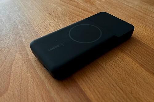 Batería Boost Charge 10K de Belkin, análisis: todo un centro de carga que puedes llevar contigo cómodamente