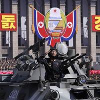 El 70º aniversario de Corea del Norte y su alucinante desfile militar, en 15 fotografías