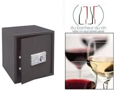 Botellas de vino en la caja fuerte, Au Bonheur du Vin