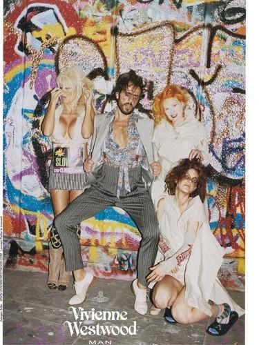 Campaña de Vivienne Westwood Primavera-Verano 2010: provocación con Pamela Anderson