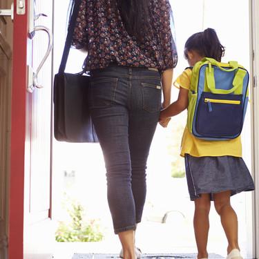 Preparar a los niños para ir al colegio equivale a un día extra de trabajo a la semana, dice una encuesta