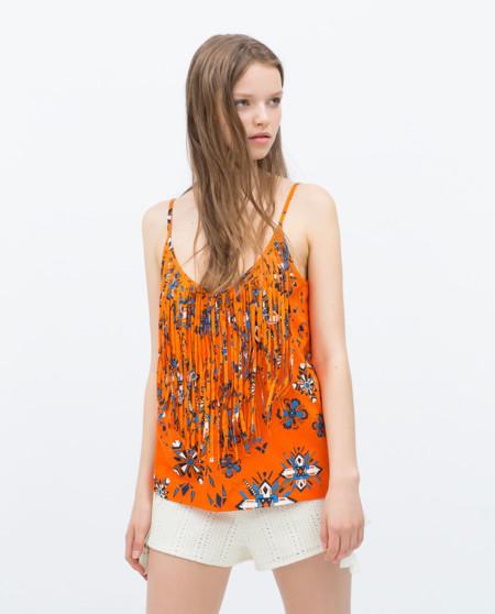 Camiseta de flecos de Zara
