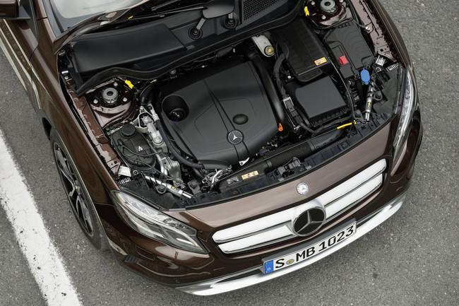 Mercedes-Benz GLA 2013, motores