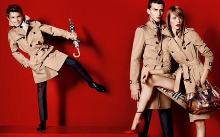 Romeo Beckham empieza sus pinitos como modelo con Burberry