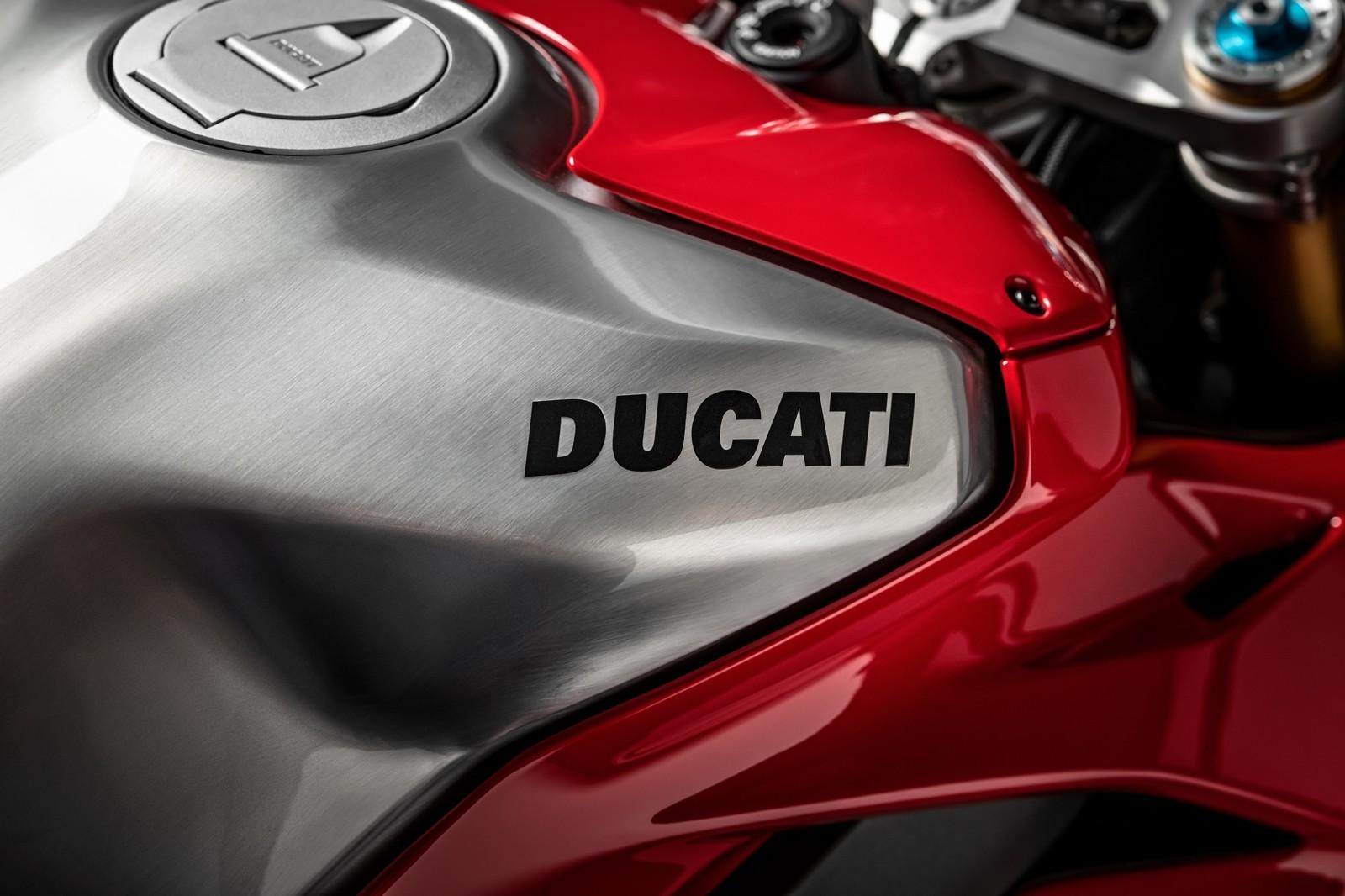 Foto de Ducati Panigale V4 R 2019 (62/87)