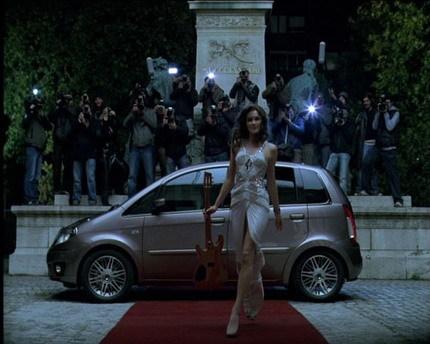 Anuncio del nuevo Lancia Musa con Carla Bruni