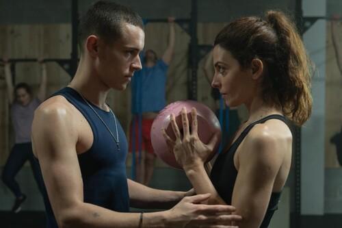 'El desorden que dejas': las 11 grandes diferencias entre la miniserie de Netflix y la novela que adapta