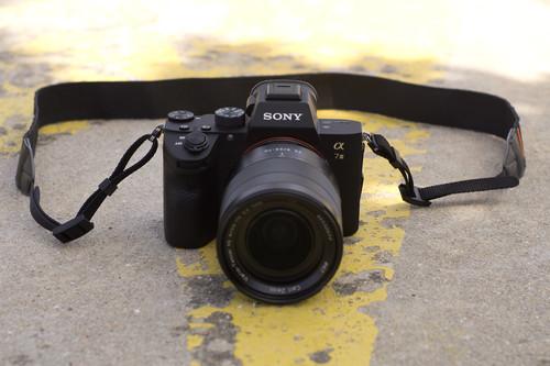 Sony A7 III, Nikon Z6, Fujifilm X-H1 y más cámaras, objetivos y accesorios en oferta: Llega Cazando Gangas