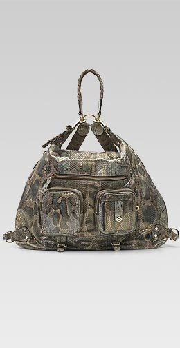 Manos libres con una mochila Gucci