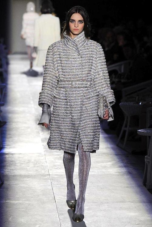 Foto de Chanel Alta Costura Otoño-Invierno 2012/2013: rosa, gris, brillos y nuevo vintage (22/61)