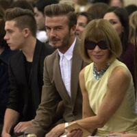 Brooklyn y David Beckham disfrutan desde el front-row del desfile de mamá Victoria en la Semana de la Moda de Nuevo York
