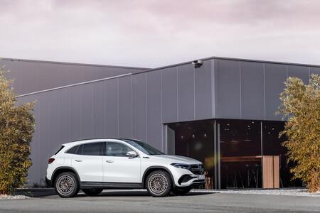 Mercedes Jump