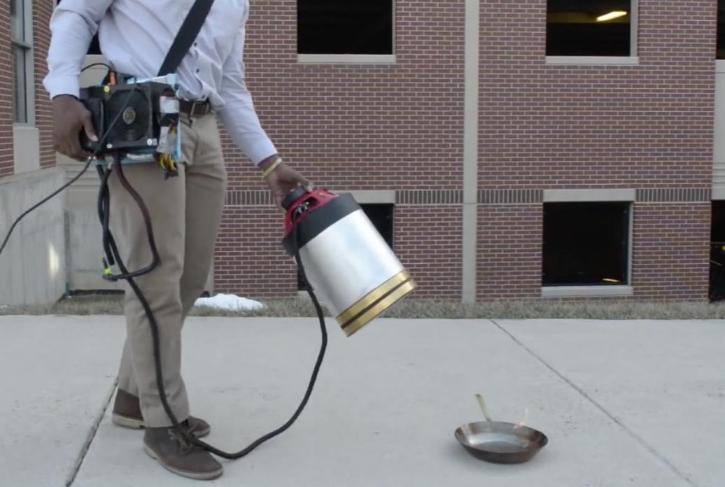 Este extintor de incendios solo usa sonido para apagar el fuego