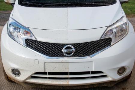 Nissan quiere autos que jamás se tengan que lavar, y así lo lograría