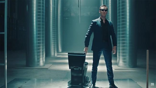 La última parodia del anuncio '1984' de Apple la protagonizan Benedict Cumberbatch ...y una taza de wáter