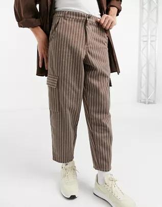 Pantalones marrones a rayas de corte globo estilo capri de ASOS DESIGN