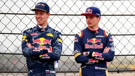 Kvyat Verstappen Red Bull