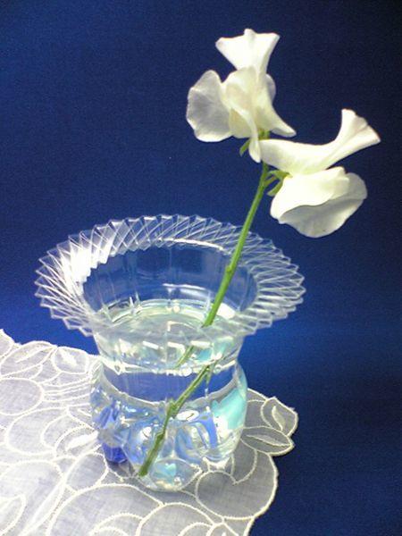 florero con botella plástico