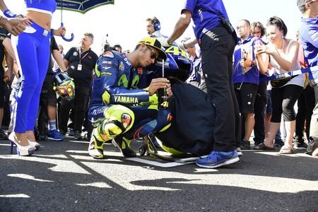 """Valentino Rossi empieza la rehabilitación: """"Estoy bien pero los tiempos de recuperación no son cortos"""""""