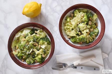 Ensalada César de brócoli