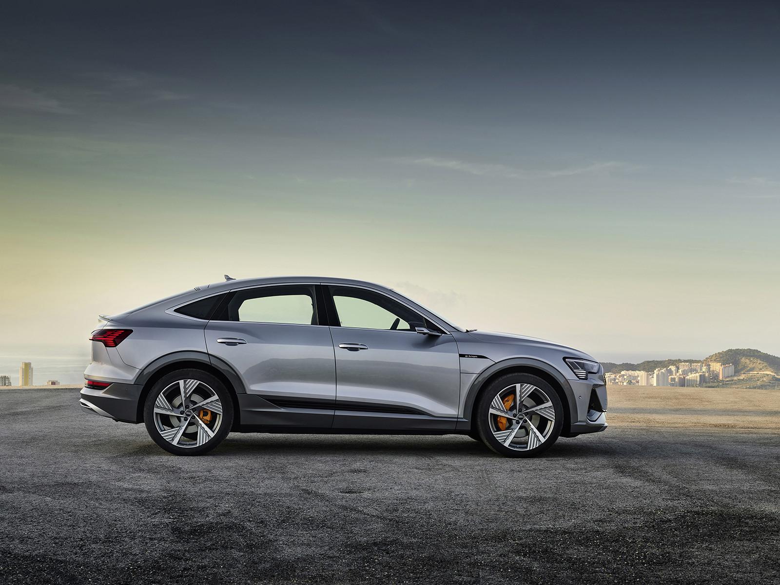 Foto de Audi e-tron Sportback (24/57)