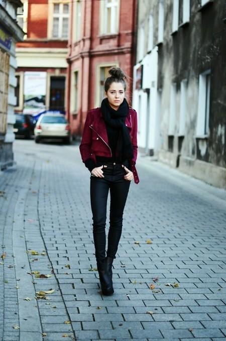 Cazadora Burdeos Street Style