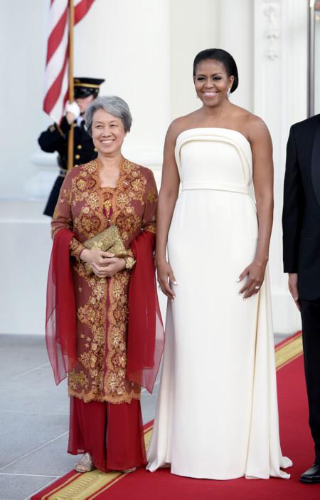 Michelle Obama Con Vestido De Bandom Maxwell