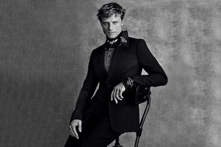 Paolo Roversi Nos Presenta La Mas Elegante Campana De Dior Con Los Tops Mark Vanderloo Y Arnaud Lemaire 5