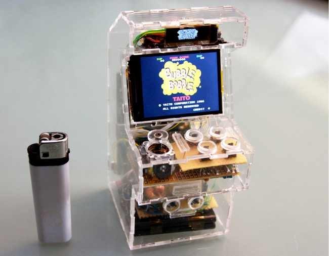 Mini arcade hecho con una Raspberry Pi, no me digáis que no queréis uno
